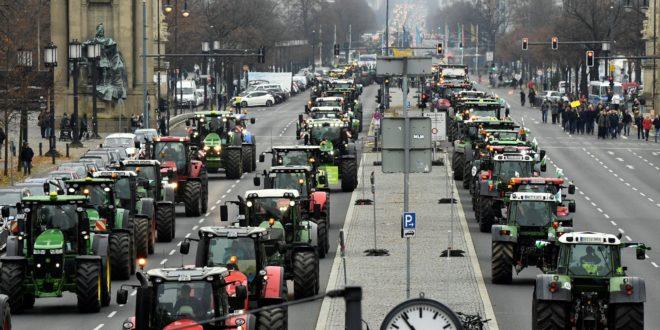 Des agriculteur en colère manifestent en France