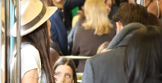 Vidéo: Une étudiante agricultrice débarque en ville!