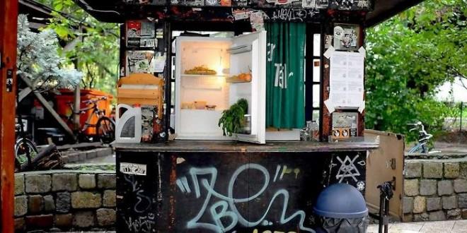 Des frigos en libre-service pour lutter contre le gaspillage alimentaire en Allemagne