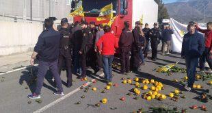 les agriculteurs espagnols bloquent l'entrée des produits du Maroc